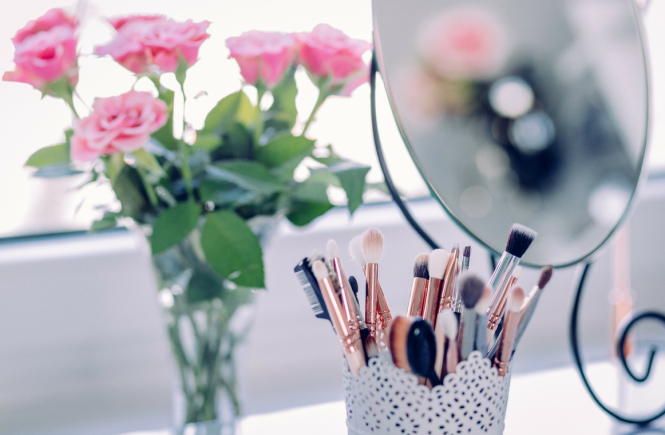current beauty_make-up essentials